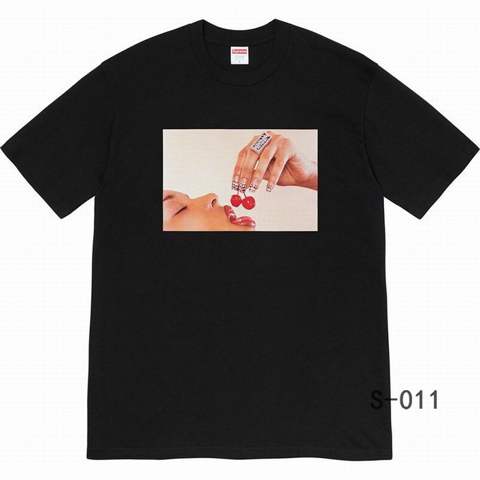 Supreme Men's T-shirts 52