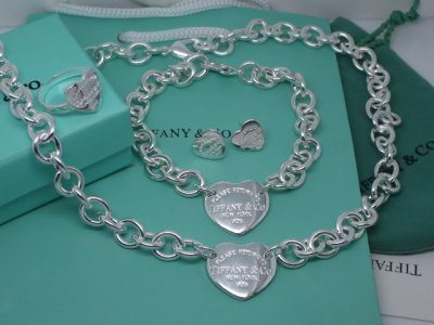 Tiffany&Co Sets 132