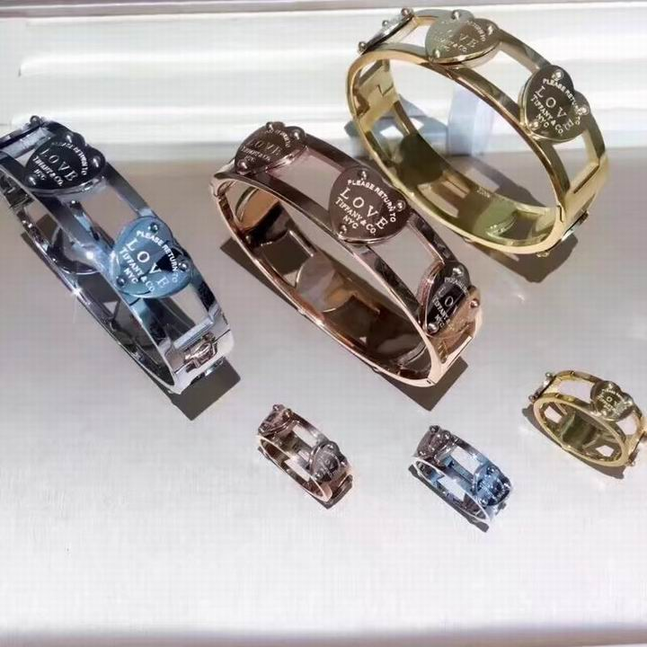 Tiffany&Co Sets 22