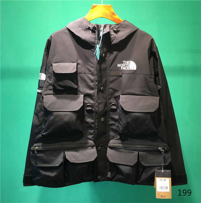 The North Face Men's Outwear 303