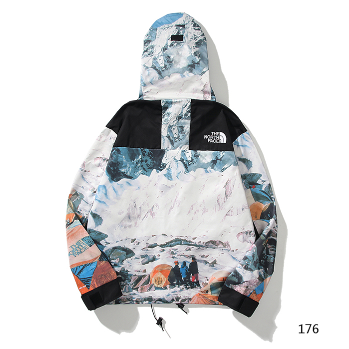 The North Face Men's Outwear 395