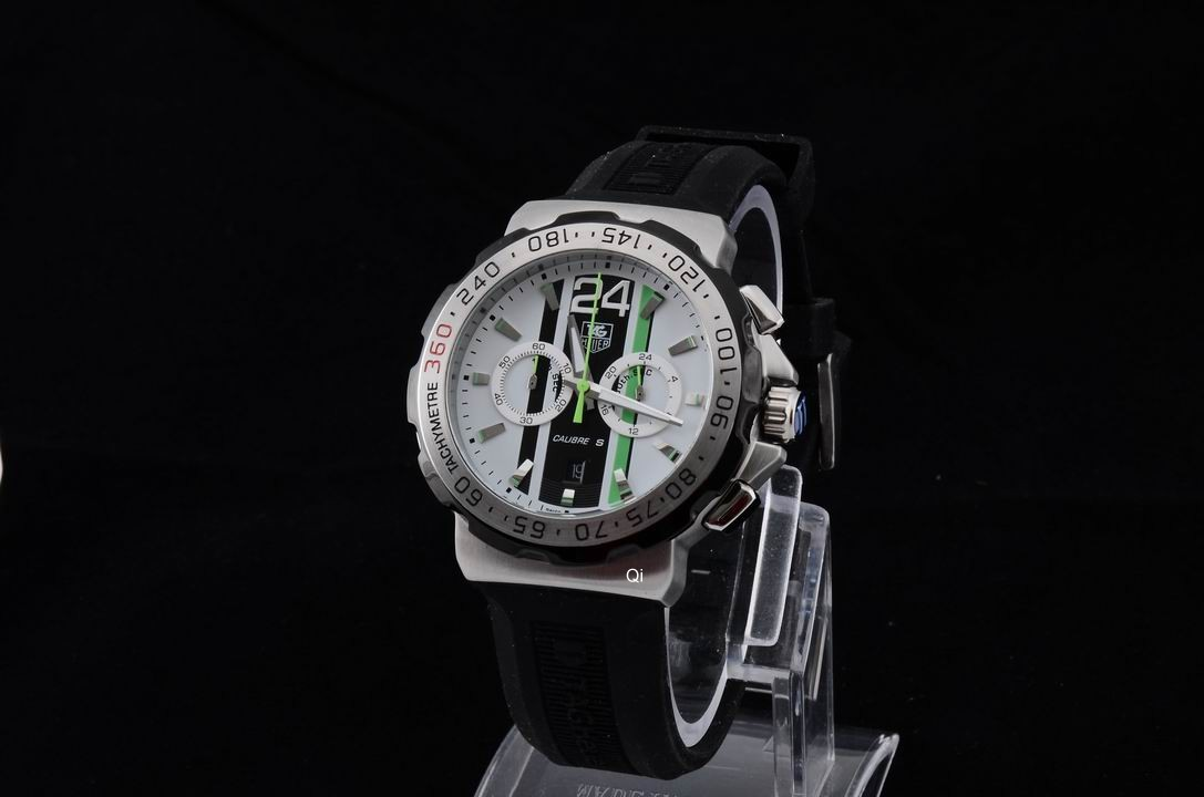 TAG Heuer Watch 697