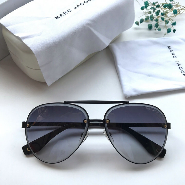 Marc Jacobs Sunglasses 100