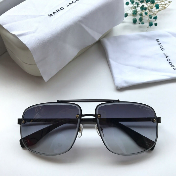 Marc Jacobs Sunglasses 105