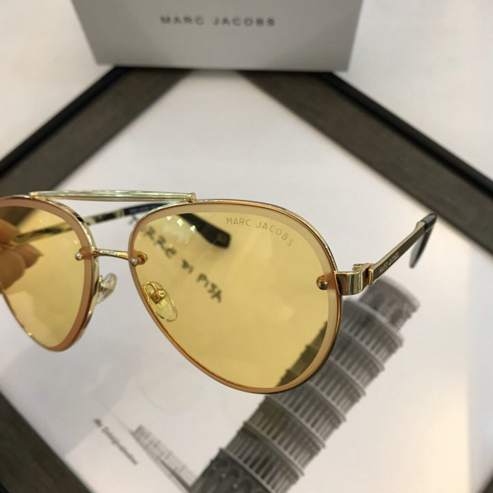 Marc Jacobs Sunglasses 67