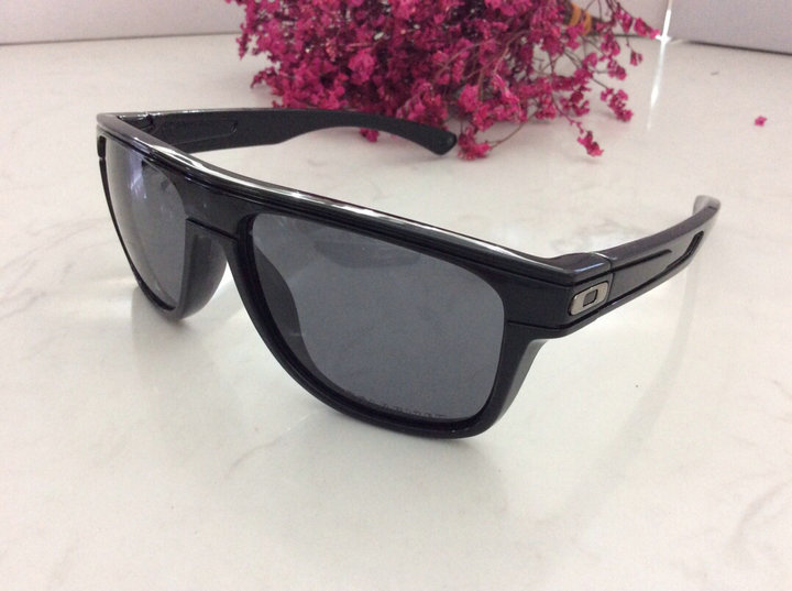 Oakley Sunglasses 109