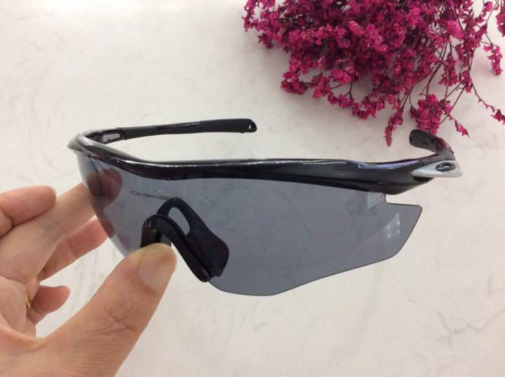 Oakley Sunglasses 122