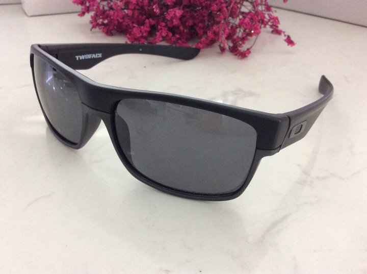 Oakley Sunglasses 176