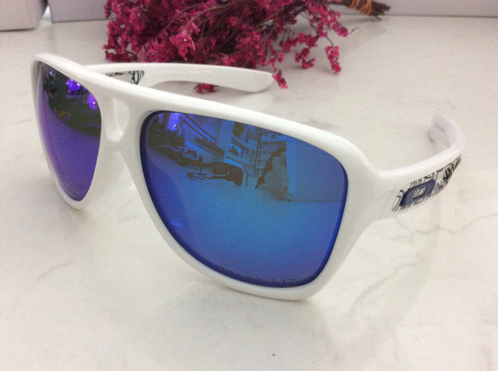 Oakley Sunglasses 220