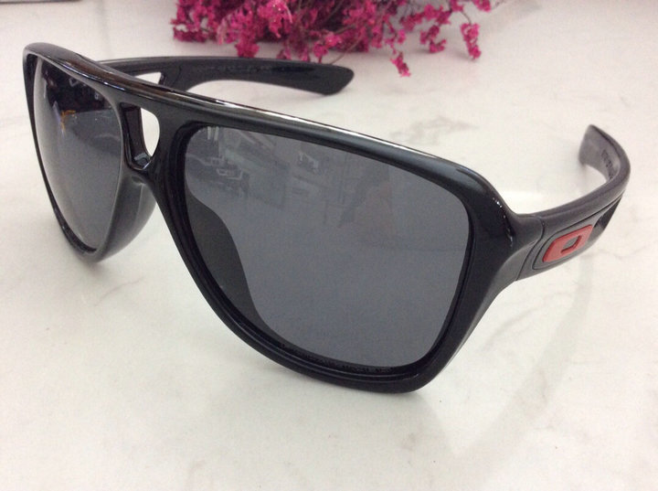 Oakley Sunglasses 221