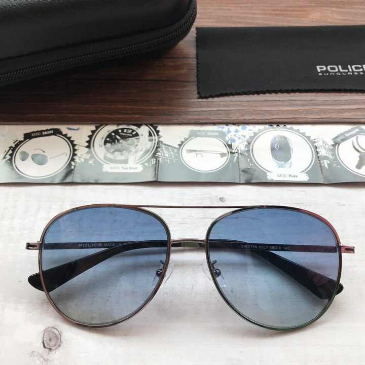 POLICE Sunglasses 131
