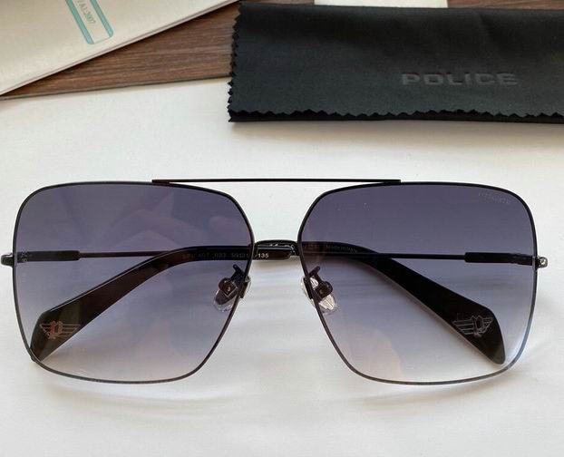 POLICE Sunglasses 82